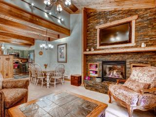 Beautifully Appointed 2BR Steamboat Springs Condo w/Gas Grill, Gorgeous Views & Pool Access - Near the Upper Ski Lift, Yampa River & Downtown Attractions! - Steamboat Springs vacation rentals