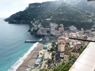 Casa Maria Vittoria 2 bedrooms sea view balcony free WI FI air condition Kitchen - Minori vacation rentals