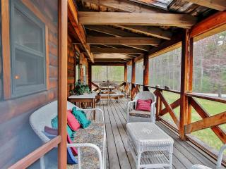 Classic 2BR Olivebridge Log Cabin on 1.5 Acres in Catskill Park - In the Heart of NY's Hudson Valley - Olivebridge vacation rentals