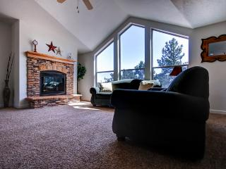 Secluded 3BR Boulder House w/Large Kitchen & Fireplace - Quiet Location Adjacent to National Forest! Close to Outdoor Activities, Restaurants & More! - Boulder vacation rentals