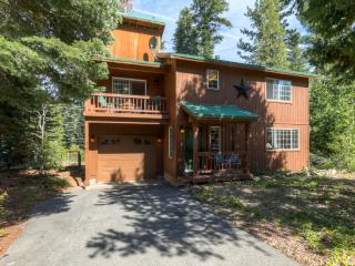 Beautifully Decorated 3BR Tahoma Home w/Gas Grill & Forest Views - Located Down the Street From Sugar Pine State Park! Minutes to Beaches, Skiing & More - Tahoma vacation rentals