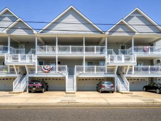 Centrally Located 3BR Wildwood Condo w/Wifi & Private Deck - Walk to Beach, Local Restaurants & Boardwalk! - Wildwood vacation rentals