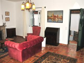 Cozy 2 bedroom Sao Bartolomeu de Messines House with Parking - Sao Bartolomeu de Messines vacation rentals