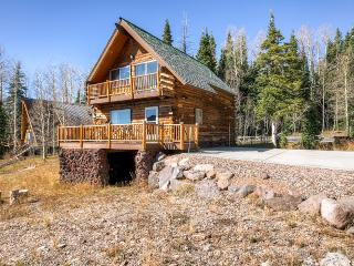 3BR Brian Head Alpine Cabin w/Sweeping Views of Giant Steps - Walk to the Lifts! - Brian Head vacation rentals