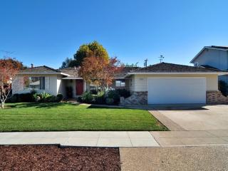 House 3Bdr 2.5 Bth - LESS THAN 3.5 mi FROM LEVIS - Sunnyvale vacation rentals