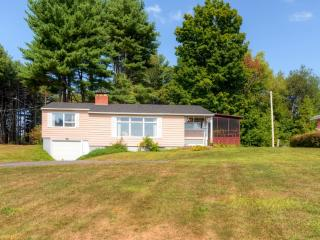New Listing! Charming 3BR Mayfield Home w/Private Dock, Screened Porch & Wifi - Just Across the Street From Lake Sacandaga! Near Hiking, Skiing & Family Activities - Mayfield vacation rentals