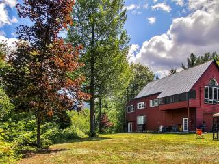 Scenic 2BR + Loft North Conway House on 4 Acres w/Wifi, Fire Pit & Mt. Cranmore Views - Very Close to Downtown, Nature Trails, Shopping & Many Other Attractions! - North Conway vacation rentals