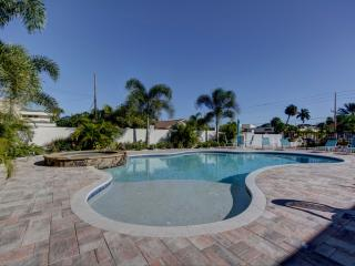 Gulf Sunset Oasis - Beachfront - Labor Day Special - Indian Rocks Beach vacation rentals