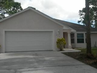 Palm Bay Florida 3 bedroom/2 bath/garage/1600sq ft - Palm Bay vacation rentals