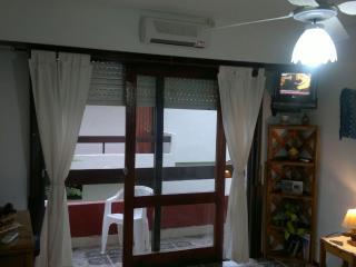 Impecable y completo Monoambiente para 4 personas - Villa Gesell vacation rentals