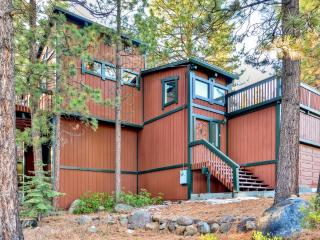 Stunning & Private 3BR Tahoe City House w/Wifi & 2 Spacious Decks - Close to Outdoor Recreation, shopping, Terrific Dining & More! Perfect Getaway for Every Season! - Tahoe City vacation rentals
