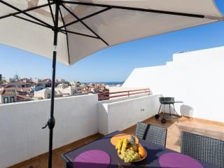 T2, 130m2, Wifi, parking, sea view - Palm-Mar vacation rentals