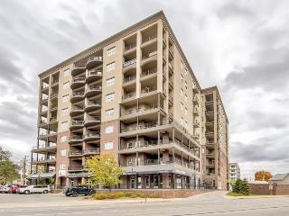 Fashionable 2BR Indianapolis Condo w/Wifi, Private Balcony, Walk to Fountain Square, Downtown, Restaurants, Sports Venues & More! - Indianapolis vacation rentals