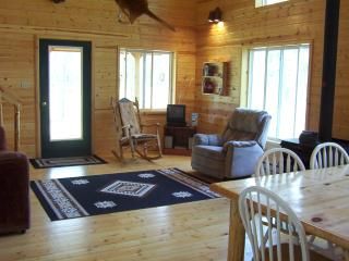 Nice Chalet with Deck and Internet Access - Columbia Falls vacation rentals