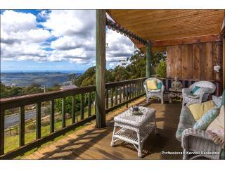 Charming 2 bedroom House in Mount Tamborine - Mount Tamborine vacation rentals