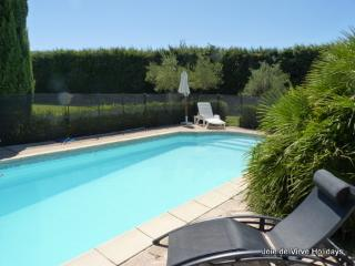 Lovely Gite with Internet Access and A/C - Cavaillon vacation rentals