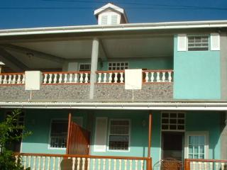 Cozy 2 bedroom Condo in Scotts Head - Scotts Head vacation rentals