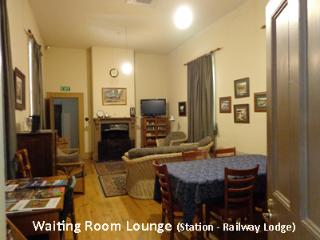 Spacious 4 bedroom House in Stirling with Internet Access - Stirling vacation rentals