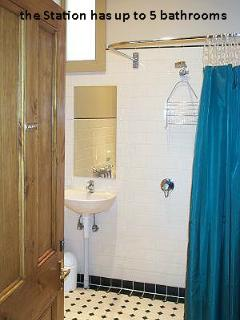 Spacious 4 bedroom House in Stirling - Stirling vacation rentals