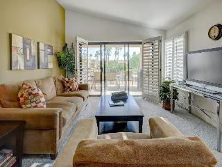 Dog-friendly golf getaway w/lake views, prime location, shared hot tub & pool - La Quinta vacation rentals