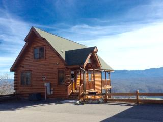 Eagle Heaven Cozy Cabin with Most Amazing Views - Pigeon Forge vacation rentals
