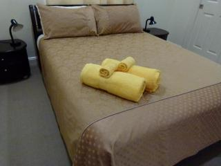 Comfortable 2 bedroom Bed and Breakfast in Wilston with Internet Access - Wilston vacation rentals