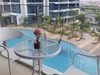 Signature Condo @CBD of West Jakarta - Jakarta vacation rentals