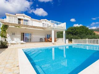 House wih pool, for active holiday, Kastela - Kaštel Novi vacation rentals
