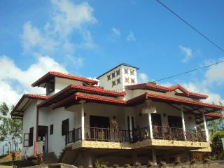 Bright 3 bedroom Vacation Rental in Midigama - Midigama vacation rentals
