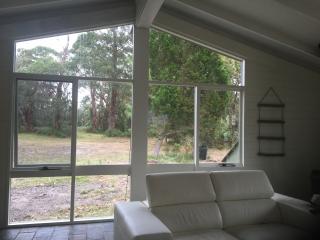 Perfect 2 bedroom House in Raymond Island - Raymond Island vacation rentals