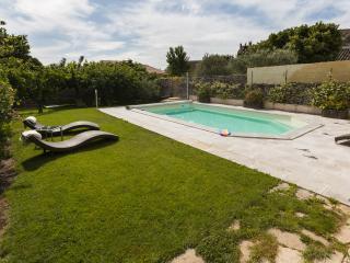 L'Oustau de Famiho Gite Avignon/L'Isle sur Sorgue - Chateauneuf-de-Gadagne vacation rentals