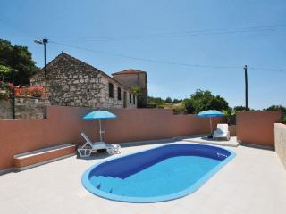 Traditional house with swimming pool - Razanj vacation rentals