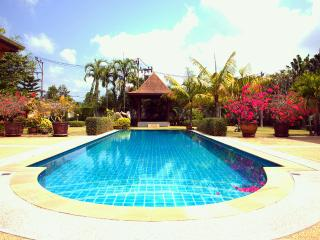 Big 3 br Villa near HomePro Village - Chalong Bay vacation rentals