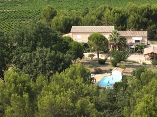 Nice Gite with Internet Access and Shared Outdoor Pool - Pont-Saint-Esprit vacation rentals