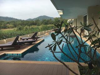 Lago 2 bedroom apartments 88\88 - Nai Harn vacation rentals