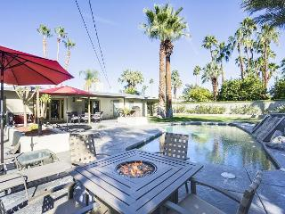 Classic Palm Springs House with Mountain-View Pool - Palm Springs vacation rentals