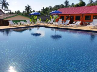 Bungalow & Pool near Chaweng Beach A - Chaweng vacation rentals