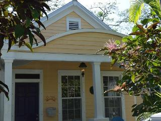 Casa Manana Conch Cottage - Key West vacation rentals