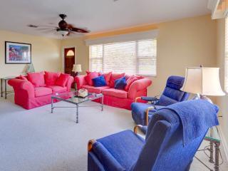 Poco Place, 2 Bedrooms, WiFi, 2 Blocks to Beach, Sleeps 8 - Nokomis vacation rentals