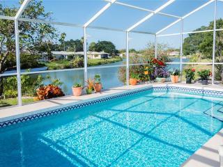 Cambridge House, 2 Bedrooms, Private Heated Pool, Lanai, WiFi, Sleeps 6 - Venice vacation rentals