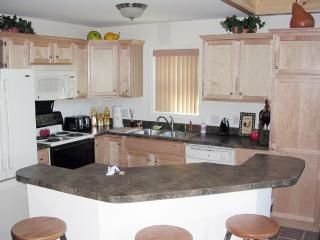 Cozy Chalet with Internet Access and Dishwasher - Lake Ariel vacation rentals
