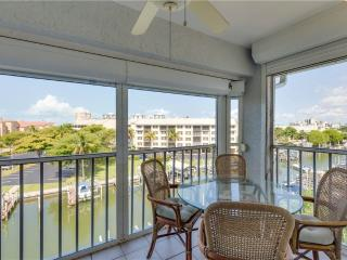 Royal Pelican 491, 2 Bedrooms, Canal View, Elevator, Heated Pool, Sleeps 6 - Fort Myers Beach vacation rentals
