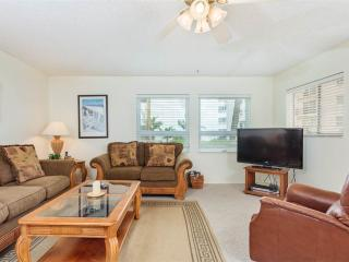 Sea Horse 2, 2 Bedrooms, Heated Pool, Pet Friendly, Sleeps 6 - Fort Myers Beach vacation rentals