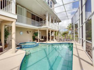 Sunscape Beach Villa A, Luxury 3 Bedrooms, Elevator, Heated Pool, Sleeps 8 - Fort Myers Beach vacation rentals