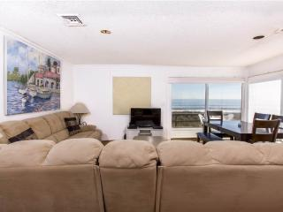 Harmony Beach House, 3 Bedrooms, Ocean Front, Large Deck, Sleeps 6 - Crescent Beach vacation rentals