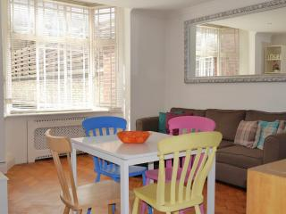 2 BR - Arthur, Queensway / Bayswater - London vacation rentals
