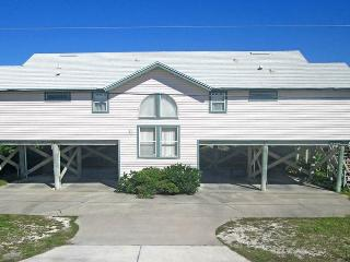 Tara's Haven, 4 Bedrooms, Ocean Front, Pet Friendly, Sleeps 10 - Ponte Vedra Beach vacation rentals