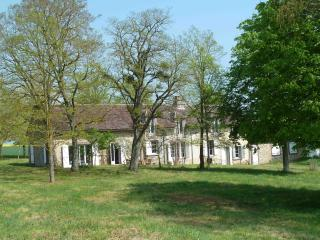 Gîte Les Barillots - 4 épis sur Gîtes de France - Saint-Julien-du-Sault vacation rentals