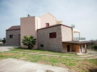 Nice Villa with Long Term Rentals Allowed (over 1 Month) and Television - Lamia vacation rentals