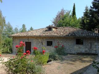 Beautiful Cottage with Internet Access and Outdoor Dining Area - Ascoli Piceno vacation rentals